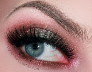 One of our favorite looks to date from Pigments and Palettes! This look features our RENEE lashes.