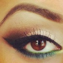 cat eyeliner <3