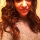 Curled hair with chi.