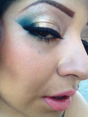 Contour, blue and bronze shadow