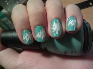 China Glaze For Audrey with a white feather. I feel like I use For Audrey way too much considering I have almost 200 bottles of nail polish! I love this. Couldn't resist this look, haha. I love feathers. ;~;