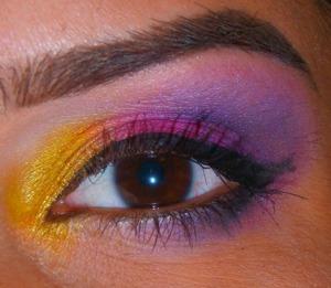 http://smokincolour.blogspot.com/2013/02/tropical-makeover.html