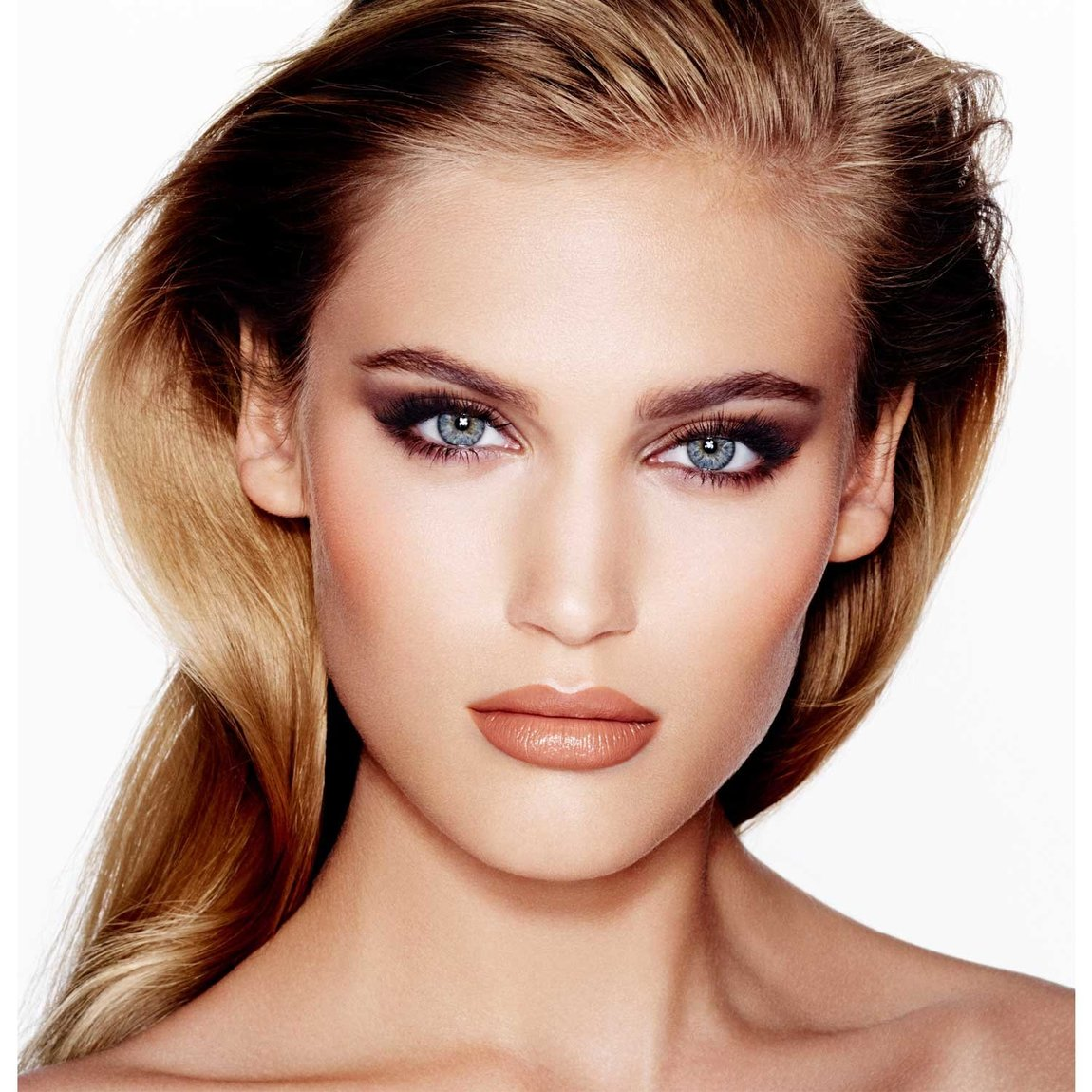 Charlotte Tilbury Get the Look The Sophisticate product smear.