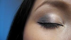 Beautiful blue make up look