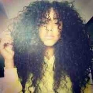 I Find Curls WAY More Attractive Than Straight Hair. Now What?   👤 Pintrest