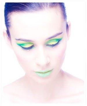 makeup: lina toro aka invadersilke  photo: nausk!