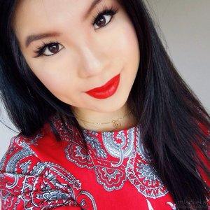 Christmas wearable makeup ft. MAC Strange Journey lipstick x