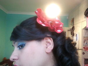 add a fun hair accessories to the hair style