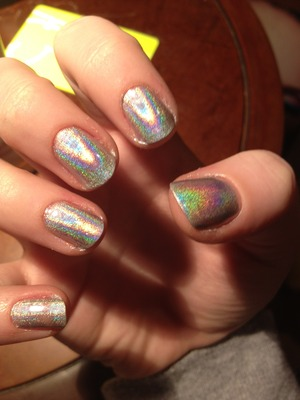 Using Layla Cosmetics Holographic Nail Polish - love this effect so so much.