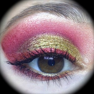 An Iron Man movie night makeup. I was inspired by Iron Man's fancy metallic suit and knew that Sugarpill Golidlux, Love+ and Asylum would be perfect for this look. Not to mention Eye Kandy Bananarama and NYX Hot Gold for some extra sparkle and pizzaz!  http://michtymaxx.blogspot.com.au/2013/05/iron-man-3-makeup-ootd.html