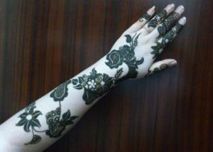 Middle Eastern henna tattoo.