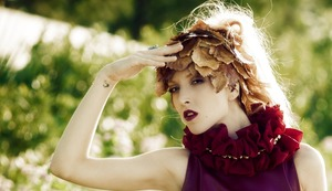 photo Kosmas Koumianos Fashion designer-styling director: Lora Dimoglou Hair Konstantinos Koliousis MUA Giselle Karounis Model: Anthi