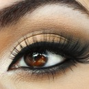 Bridal look with fun lashes 3