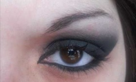 The Perfect Black Eyeshadow Tutorial