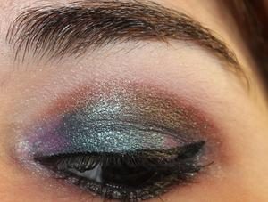 Insect's Wing http://yamismakeup.blogspot.com/2011/07/eotd-insectss-wing.html
