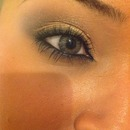 My everyday smokey eye without lashes :)