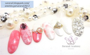 Is there anyone going to get married or attend wedding ceremony? Please note today`s posting. I`m gonna share you nail art for wedding using jewelry elements and nail tips.  Click the link below http://saranail.blogspot.kr/2014/01/nail-art-for-wedding-jewelry-nail-art.html