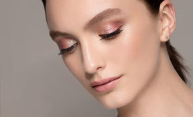 Shine Bright (Even at Work) with this Office-Apropos Glitter Eye
