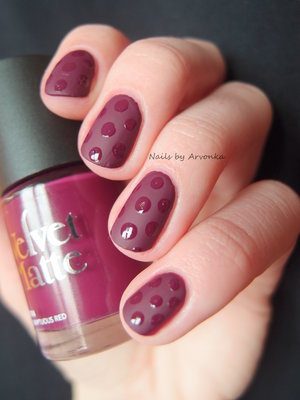 http://arvonka-nails.blogspot.sk/2015/03/matno-leskle-nechty-s-rimmelom.html