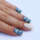 Blue & White Floral Nails