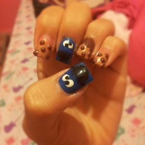 My nails jeje :) cookie monster