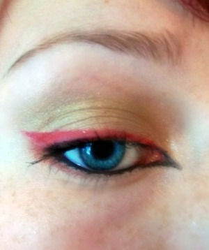 Red and black winged liner