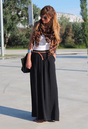 Green maxi skirt,featuring high waist,side split,pure color,plicated