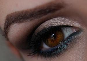 http://www.cacau-makeup.blogspot.com.br/ http://www.facebook.com/cacaumakeup
