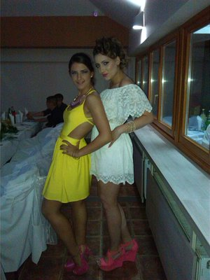 Here, I am that one in yellow 2-parts dress,and Jelena is in white,i called her Kasandra as Spain soap. :D Thas was our prom night,we had gread night