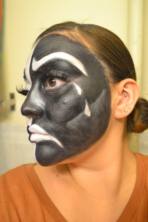 Here is the tragic side of my easy Halloween look!  www.beautywithatwistblog.com