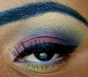 I aslo used MAC Grape Pigment eyeshadow.