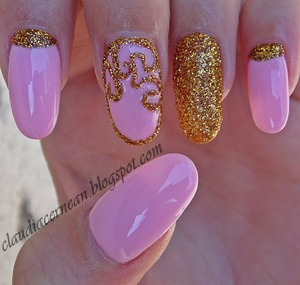 Tutorial on : http://claudiacernean.blogspot.ro/2013/07/unghii-roz-pal-pale-pink-nails.html