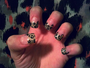 gold acrylic tip mix w/cheetah print n yellow stones