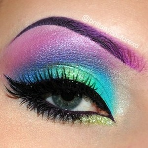 This is a very colorful color eye makeup look that I love! Comment if you like it or not!  :)