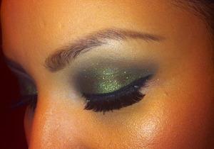 Green glittery smokey eye