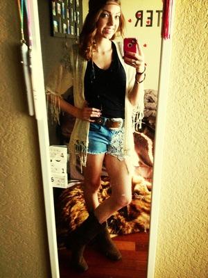 Daisy dukes and boots.