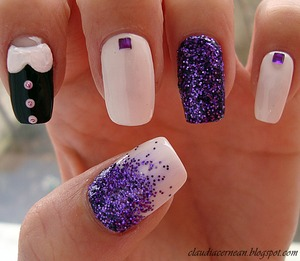 tutorial on: http://claudiacernean.blogspot.ro/2013/02/unghii-cu-guler-collar-nails.html