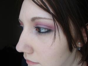 I love my red eyeshadows :)
