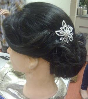 Bridal vintage chignon