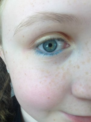 This is my EYESHADOW look for a fair that's coming up!   Products used: Mayebelline eye studio in give me gold  Mayebelline color show eyeliners in nude and sea blue  Urban decay eyeshadow primer   Revlon cream eyeshadows in not just nudes