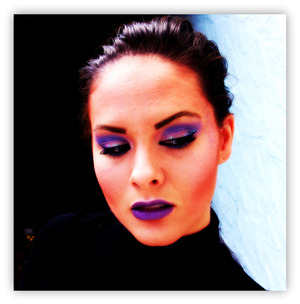 Purple look using MAC lipstick in 'goes and goes'