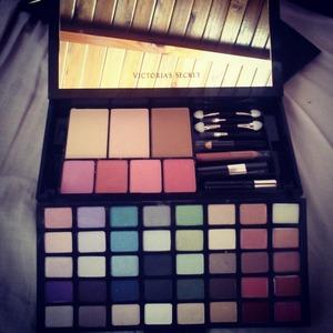 Victoria's Secret make up kit