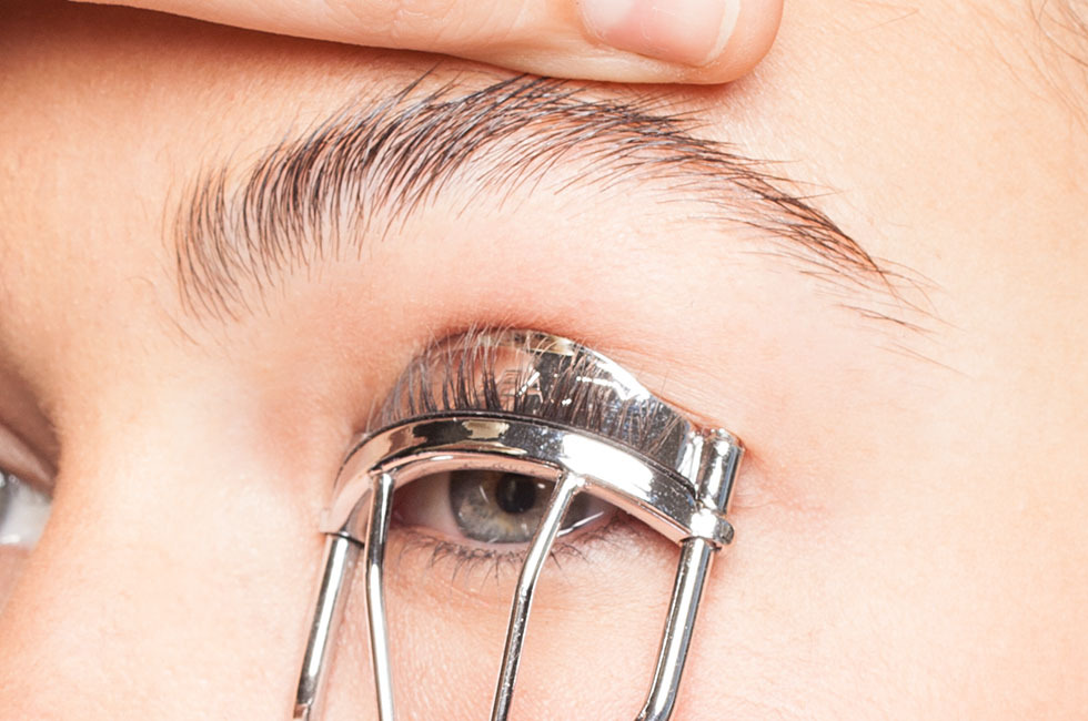 eyelash curler results. how to curl lashes (the right way) eyelash curler results e
