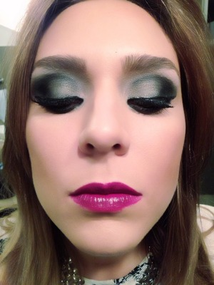 Hello! This is more of the look I posted before...I used a berry lip color since were in Fall! Hope you like!