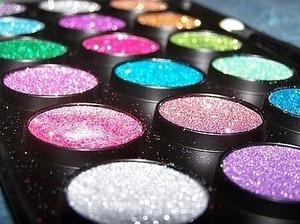 makeup glittery powder