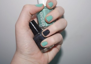 Essie's Turquoise & Caicos with Color Club's Status Update on the accent nail.