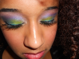 Bright, crazy colored eyes http://superbeautyguru.hostei.com