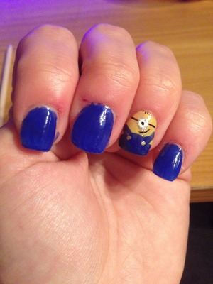 Despicable Me inspired nails, cute minion accent nail :)