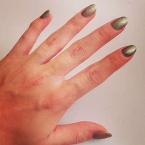 Steel Gaze Shellac with black diamond additives!  Let the leaves fall :)