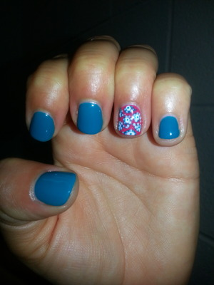 gel polish with paisley pattern for accent nail